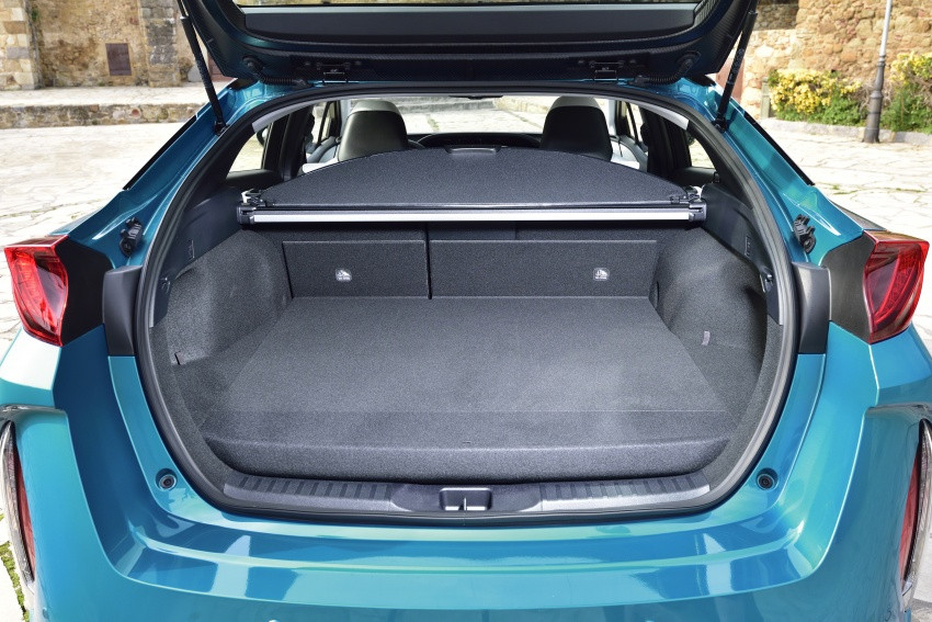 New Toyota Prius Plug-in Hybrid – double the EV range Image #612751