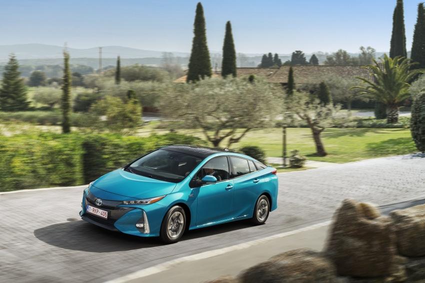 New Toyota Prius Plug-in Hybrid – double the EV range Image #612754