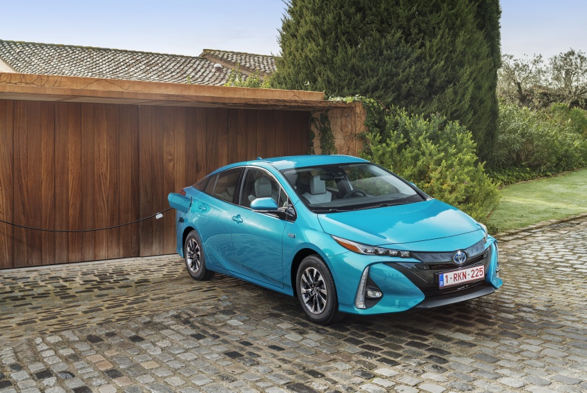 New Toyota Prius Plug-in Hybrid – double the EV range Image #612758