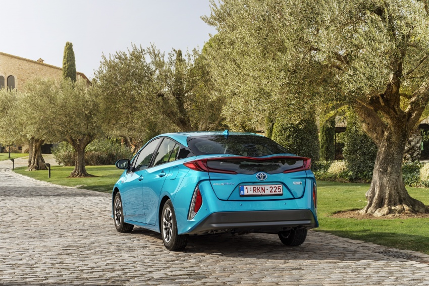 New Toyota Prius Plug-in Hybrid – double the EV range Image #612760