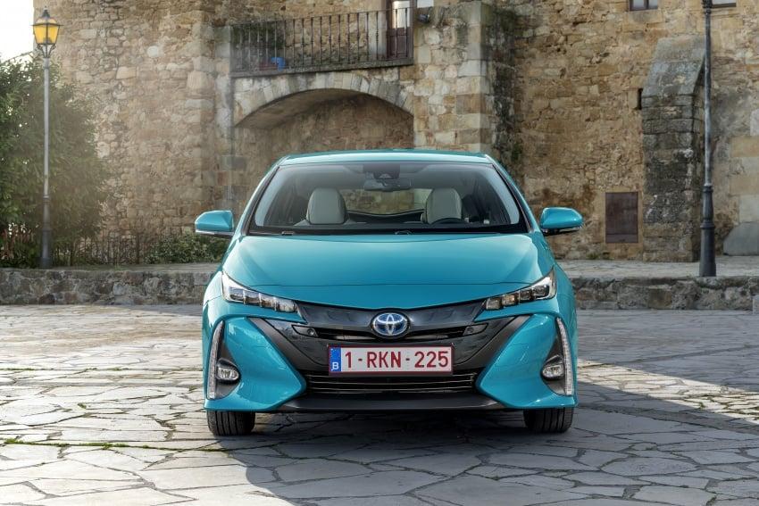 New Toyota Prius Plug-in Hybrid – double the EV range Image #612761