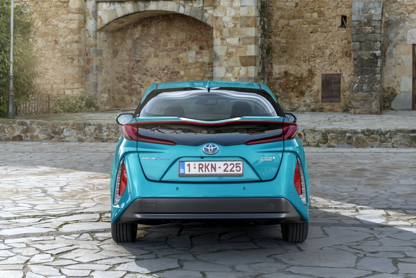 New Toyota Prius Plug-in Hybrid – double the EV range Image #612762