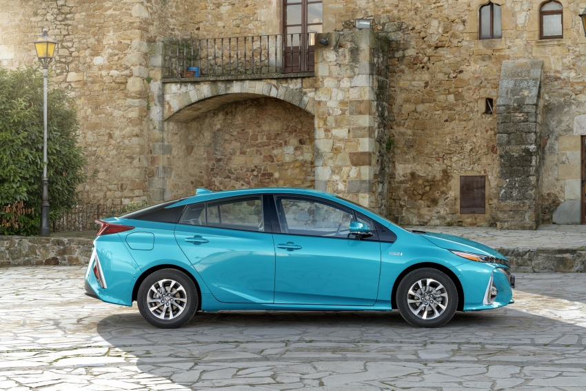 New Toyota Prius Plug-in Hybrid – double the EV range Image #612763