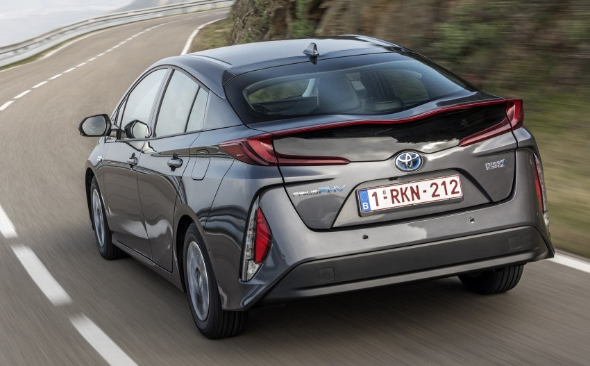 New Toyota Prius Plug-in Hybrid – double the EV range Image #612770