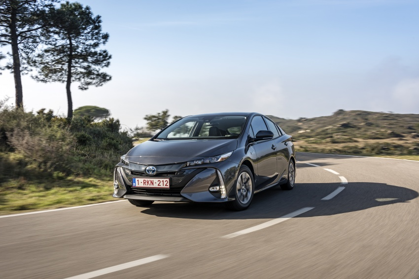 New Toyota Prius Plug-in Hybrid – double the EV range Image #612774