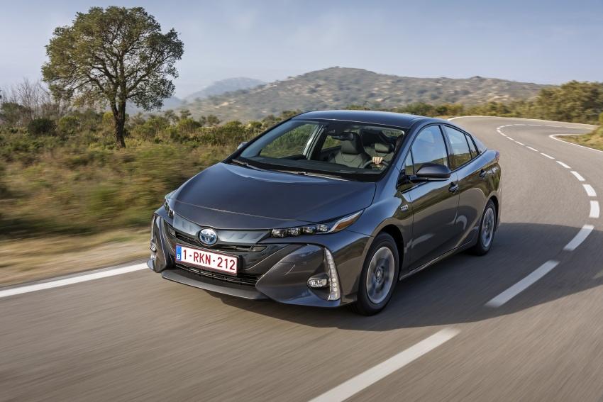 New Toyota Prius Plug-in Hybrid – double the EV range Image #612775