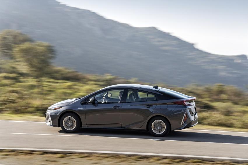 New Toyota Prius Plug-in Hybrid – double the EV range Image #612777