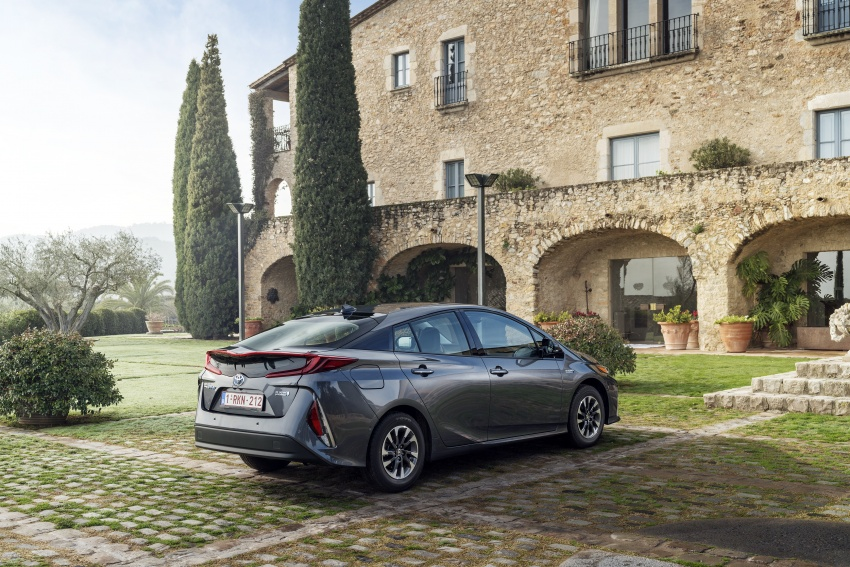 New Toyota Prius Plug-in Hybrid – double the EV range Image #612782