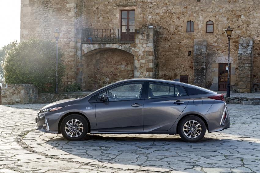 New Toyota Prius Plug-in Hybrid – double the EV range Image #612785