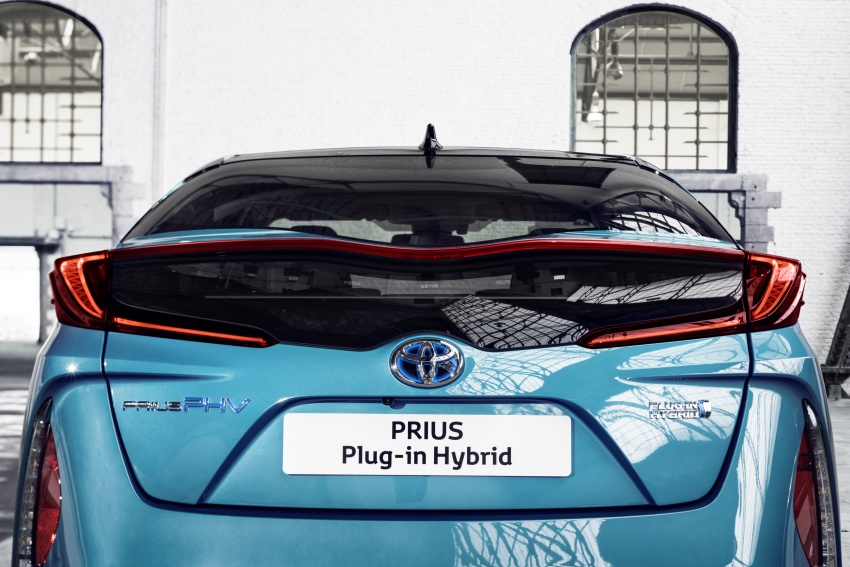 New Toyota Prius Plug-in Hybrid – double the EV range Image #612796