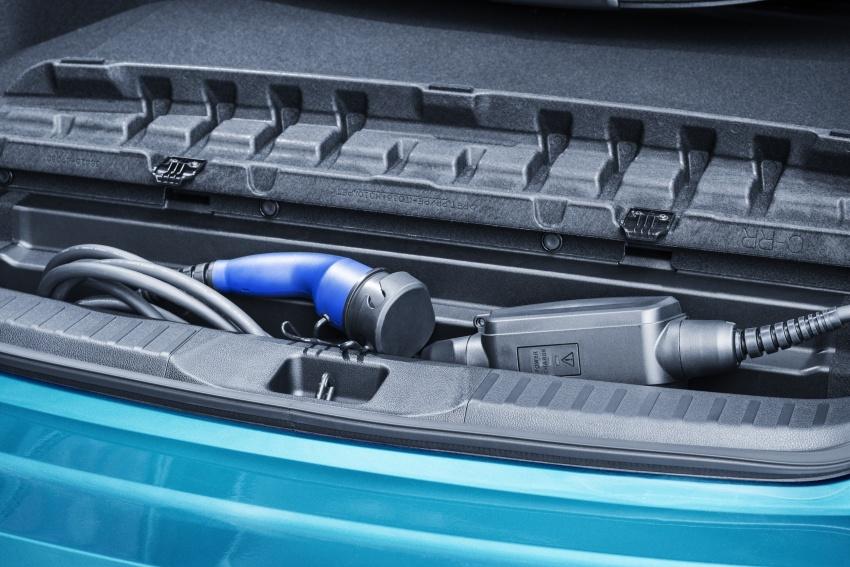 New Toyota Prius Plug-in Hybrid – double the EV range Image #612800