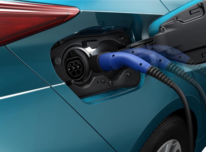 New Toyota Prius Plug-in Hybrid – double the EV range Image #612809