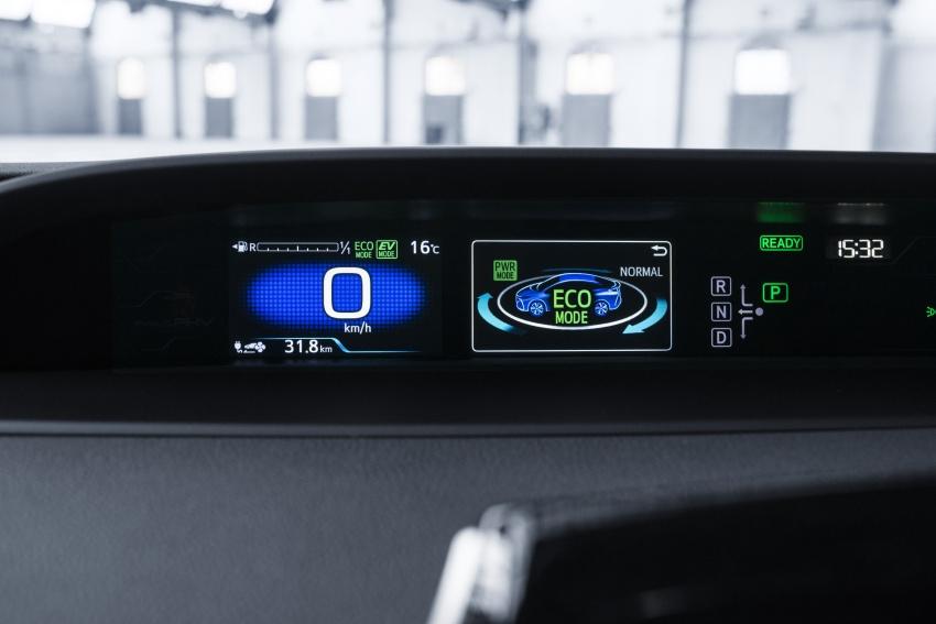 New Toyota Prius Plug-in Hybrid – double the EV range Image #612824