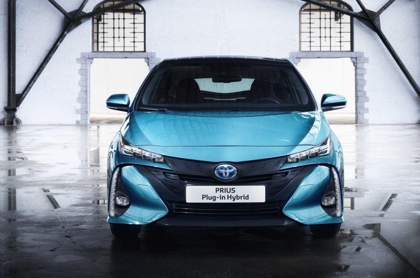 New Toyota Prius Plug-in Hybrid – double the EV range Image #612832