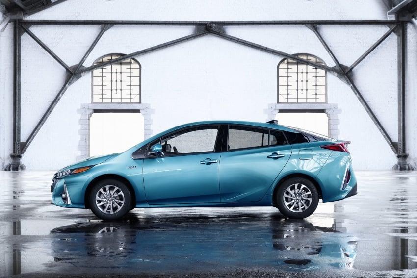 New Toyota Prius Plug-in Hybrid – double the EV range Image #612834