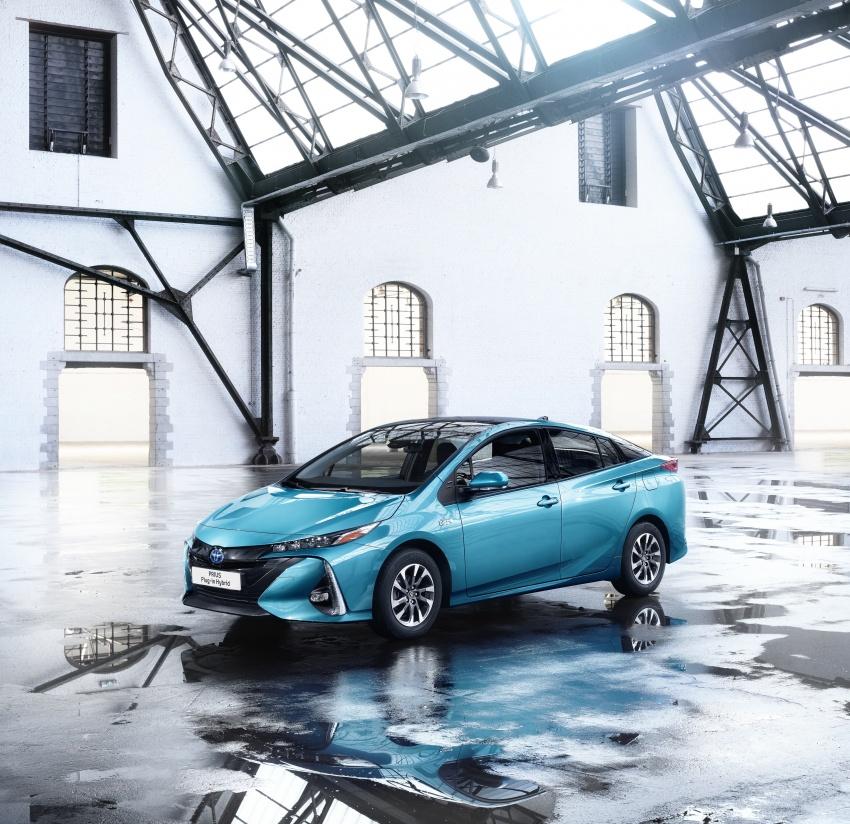 New Toyota Prius Plug-in Hybrid – double the EV range Image #612835