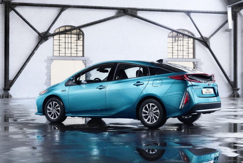 New Toyota Prius Plug-in Hybrid – double the EV range Image #612837