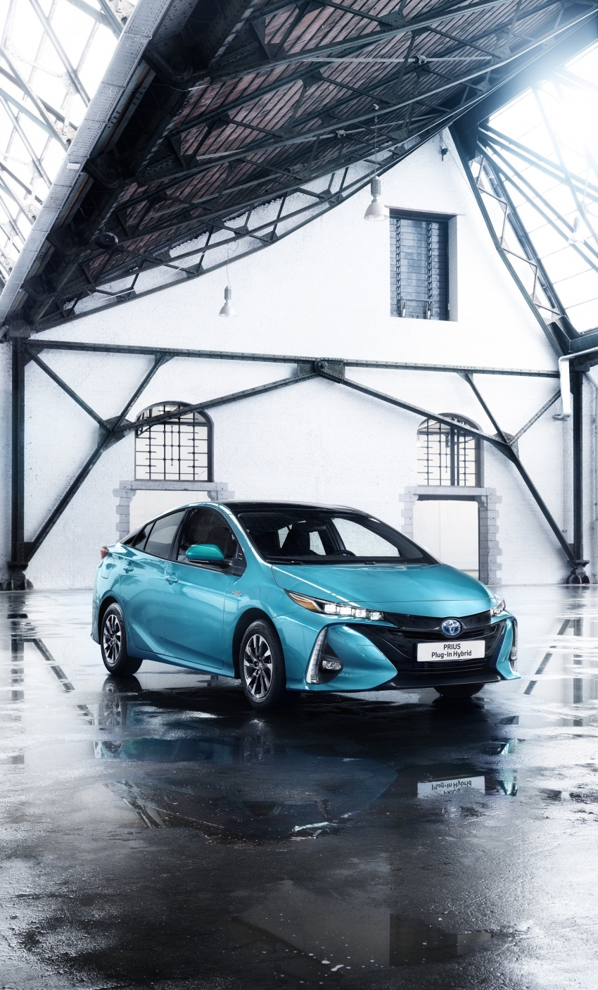New Toyota Prius Plug-in Hybrid – double the EV range Image #612838