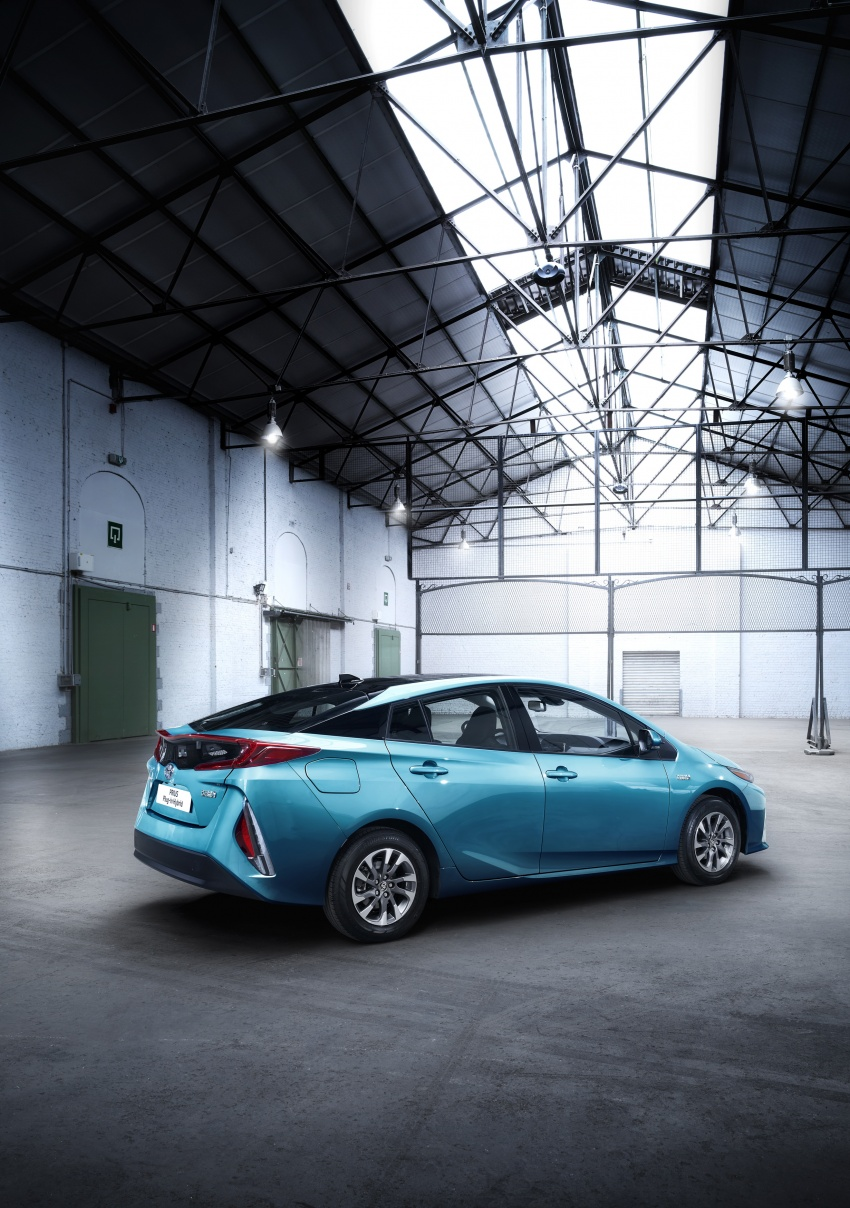 New Toyota Prius Plug-in Hybrid – double the EV range Image #612841