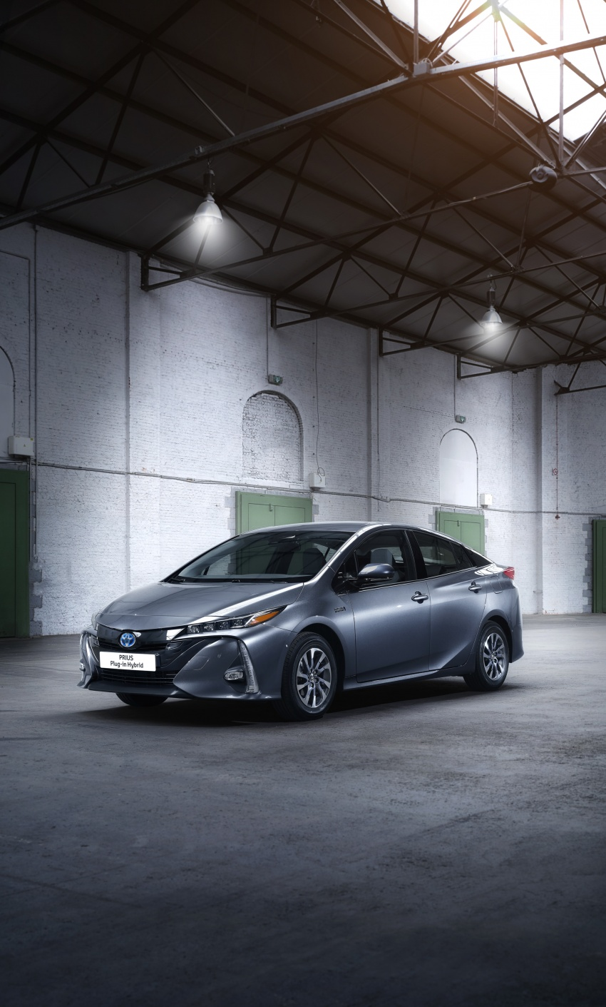 New Toyota Prius Plug-in Hybrid – double the EV range Image #612843