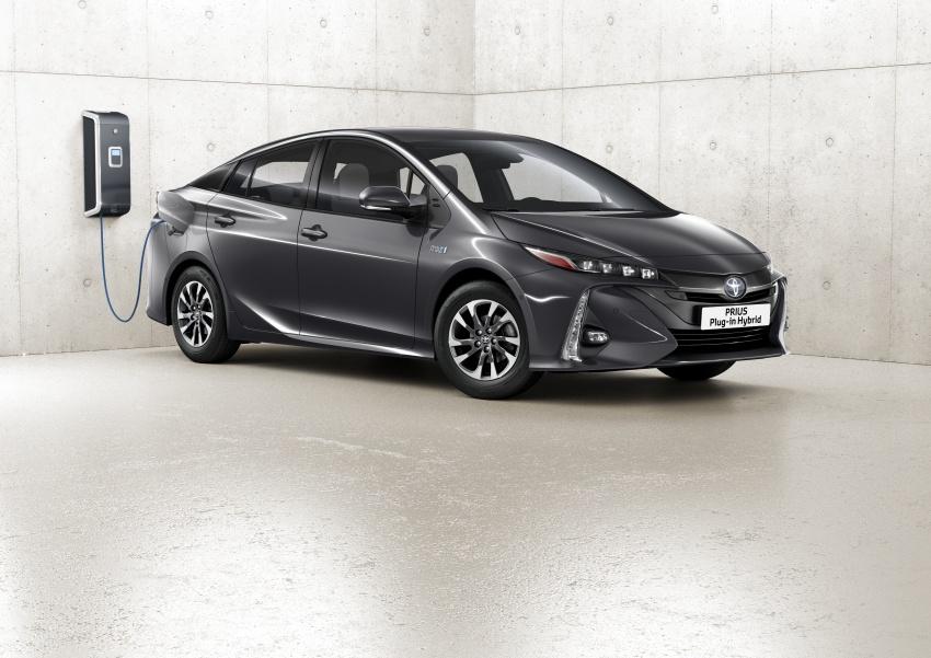 New Toyota Prius Plug-in Hybrid – double the EV range Image #612848