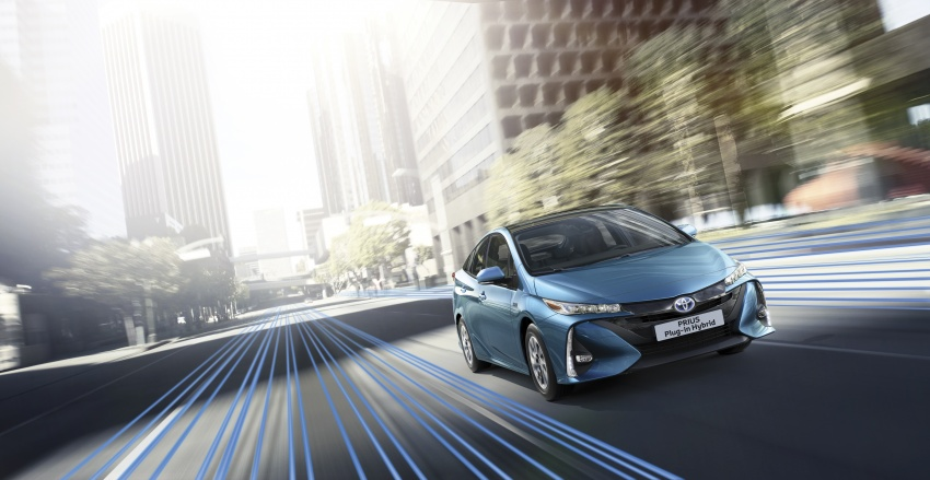New Toyota Prius Plug-in Hybrid – double the EV range Image #612850