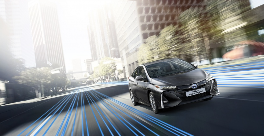 New Toyota Prius Plug-in Hybrid – double the EV range Image #612851