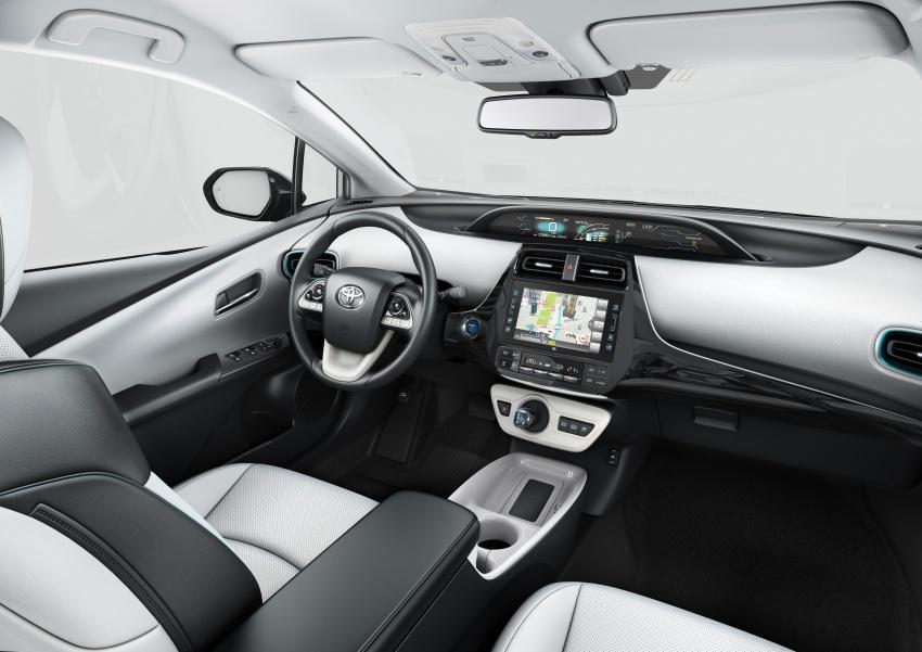 New Toyota Prius Plug-in Hybrid – double the EV range Image #612857