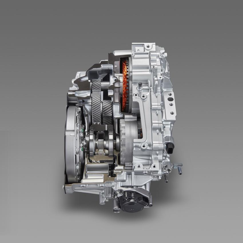 Toyota Prius PHV debuts in Japan – 68.2 km EV range Image #616963