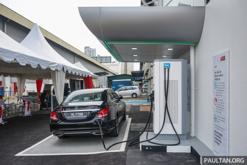 ABB launches Terra 53 CJG EV fast charger – 43 kW AC and 50 kW DC, supports all charging standards Image #620690