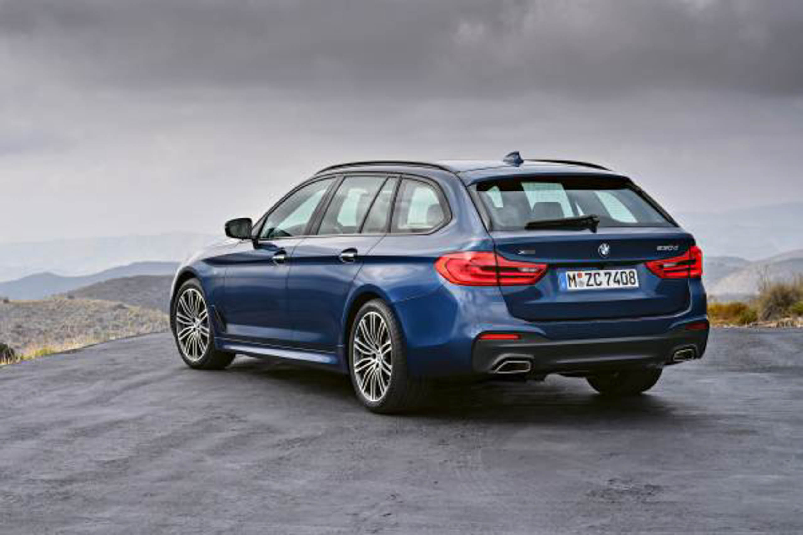 g31 bmw 5 series touring unveiled 1 700 litre boot image. Black Bedroom Furniture Sets. Home Design Ideas