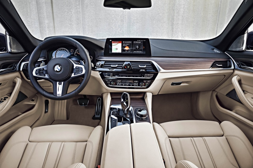 G31 BMW 5 Series Touring unveiled – 1,700-litre boot Image #610325