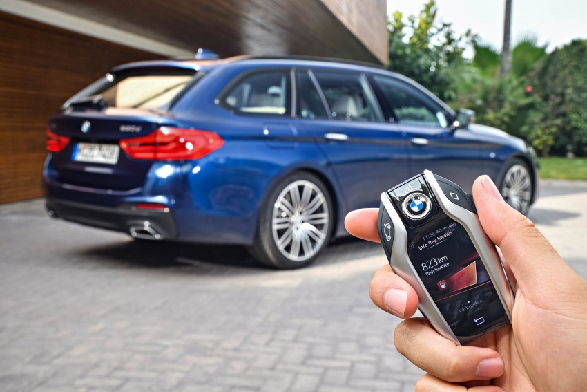 G31 BMW 5 Series Touring unveiled – 1,700-litre boot Image #610332