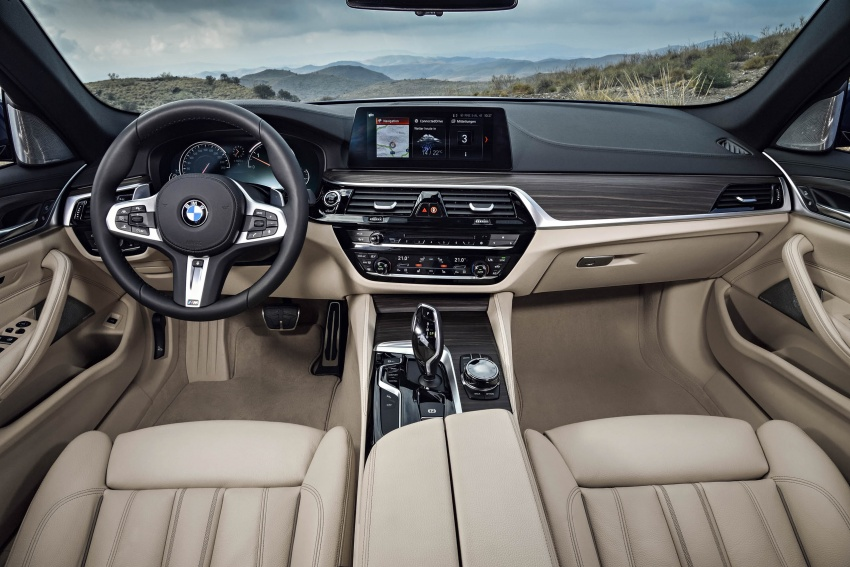 G31 BMW 5 Series Touring unveiled – 1,700-litre boot Image #610333