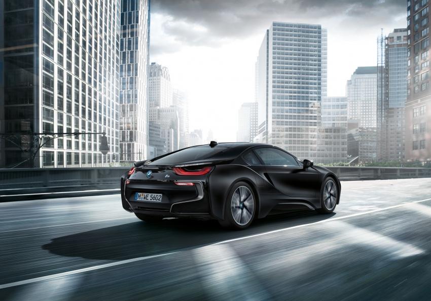 BMW dedah dua model edisi istimewa i8 untuk Geneva Image #611219
