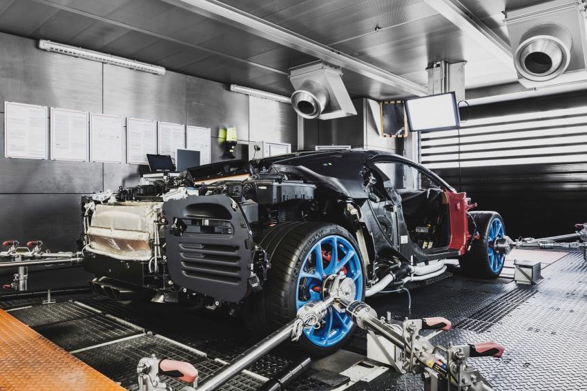 Bugatti Chiron – how a 420 km/h hypercar is born Image #613217