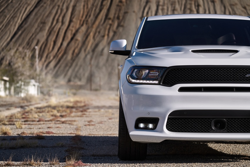 Dodge Durango SRT unveiled – 475 hp three-row SUV Image #613067