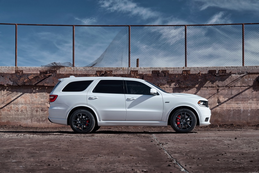 Dodge Durango SRT unveiled – 475 hp three-row SUV Image #613072