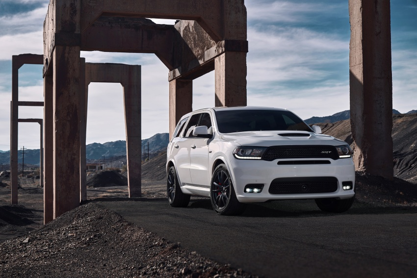 Dodge Durango SRT unveiled – 475 hp three-row SUV Image #613073
