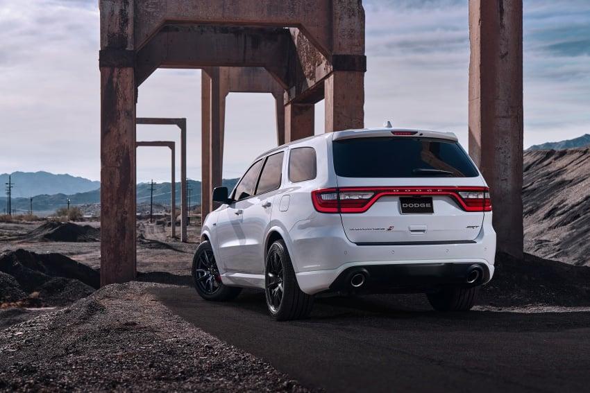 Dodge Durango SRT unveiled – 475 hp three-row SUV Image #613079