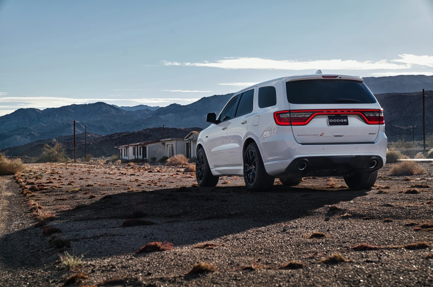 Dodge Durango SRT unveiled – 475 hp three-row SUV Image #613081