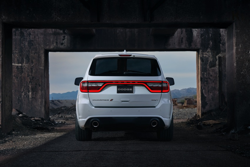Dodge Durango SRT unveiled – 475 hp three-row SUV Image #613095