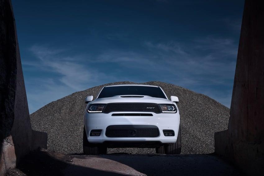 Dodge Durango SRT unveiled – 475 hp three-row SUV Image #613096