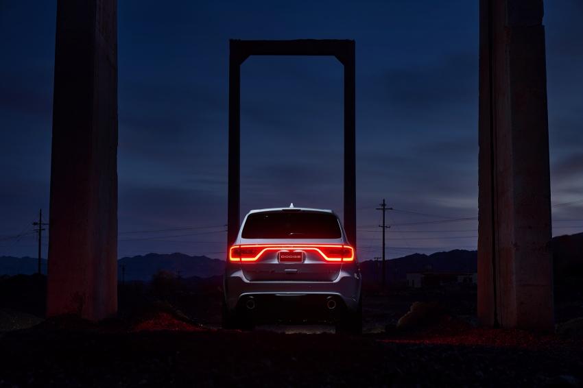 Dodge Durango SRT unveiled – 475 hp three-row SUV Image #613101