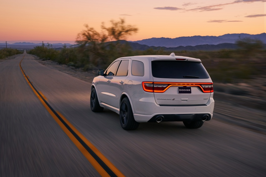 Dodge Durango SRT unveiled – 475 hp three-row SUV Image #613118