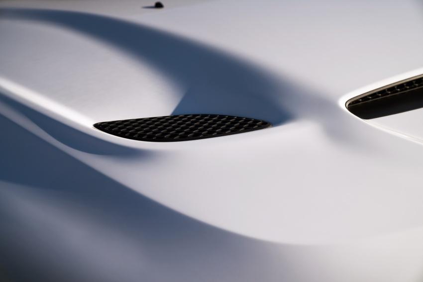 Dodge Durango SRT unveiled – 475 hp three-row SUV Image #613126