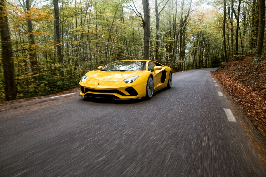 Lamborghini Aventador S launched in Malaysia, from RM1.8mil – 6.5L V12, 740 hp, 0-100 km/h in 2.9 s Image #619022
