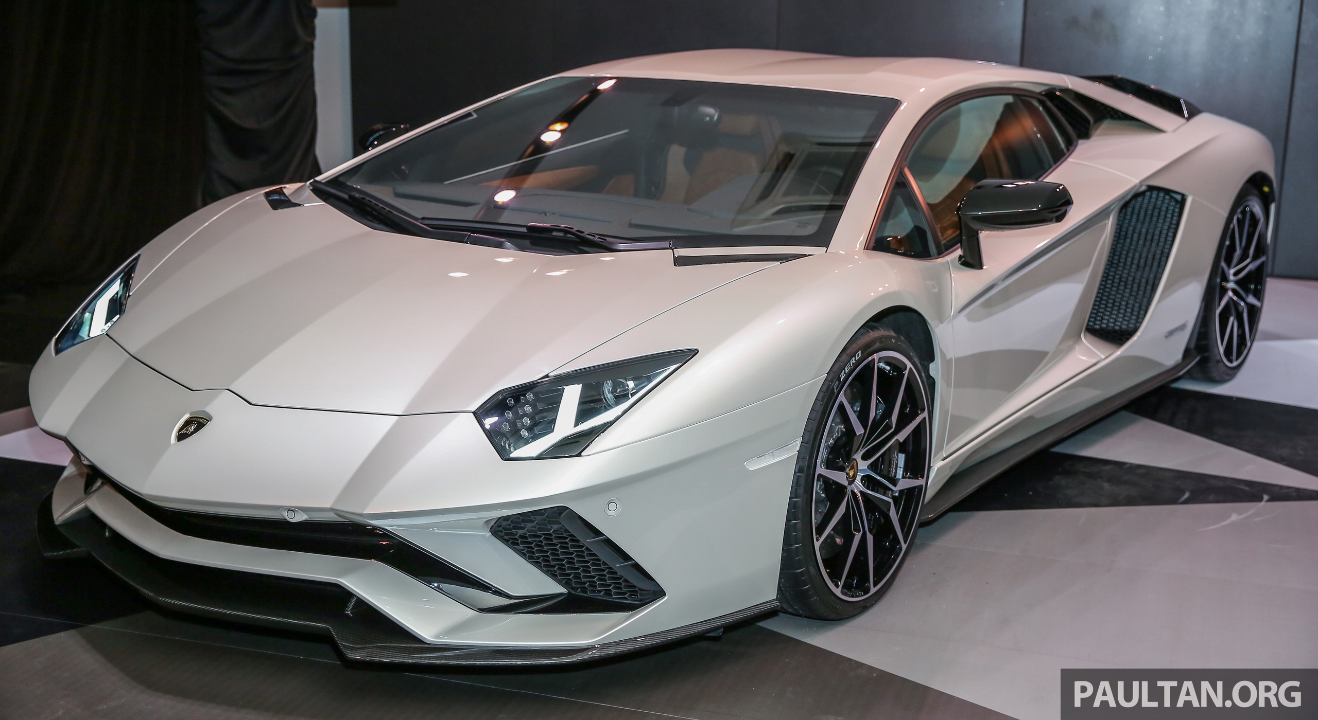 Lamborghini Aventador S Launched In Malaysia From Rm1 8mil 6 5l