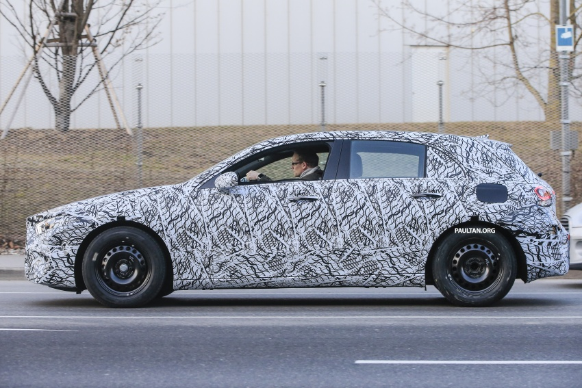 SPYSHOTS: Next-gen Mercedes-Benz A-Class spotted – new interior to feature E-Class widescreen cockpit! Image #617532
