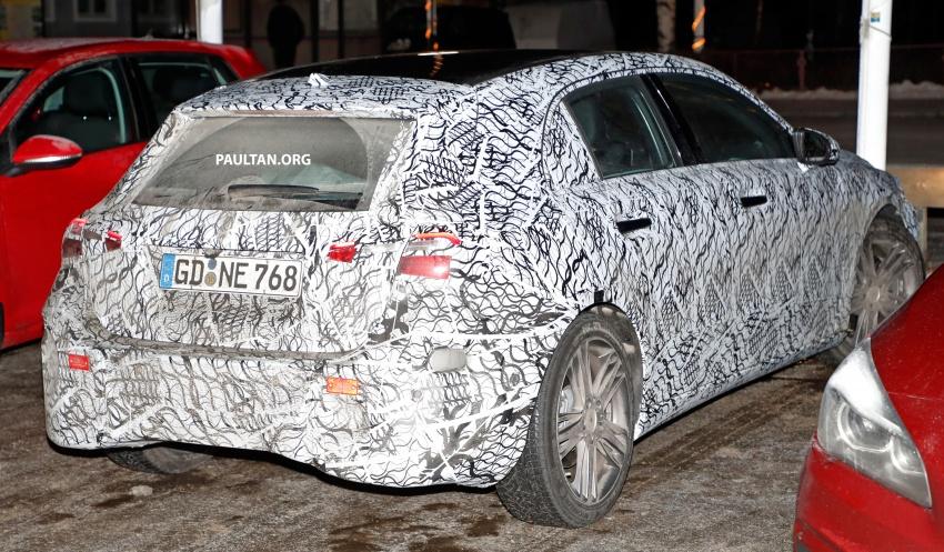 SPYSHOTS: Next-gen Mercedes-Benz A-Class spotted – new interior to feature E-Class widescreen cockpit! Image #616864